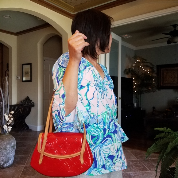 Authentic Louis Vuitton Biscayne Red Vernis PM Han